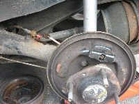 removing old Mini brake pipe and cylinder